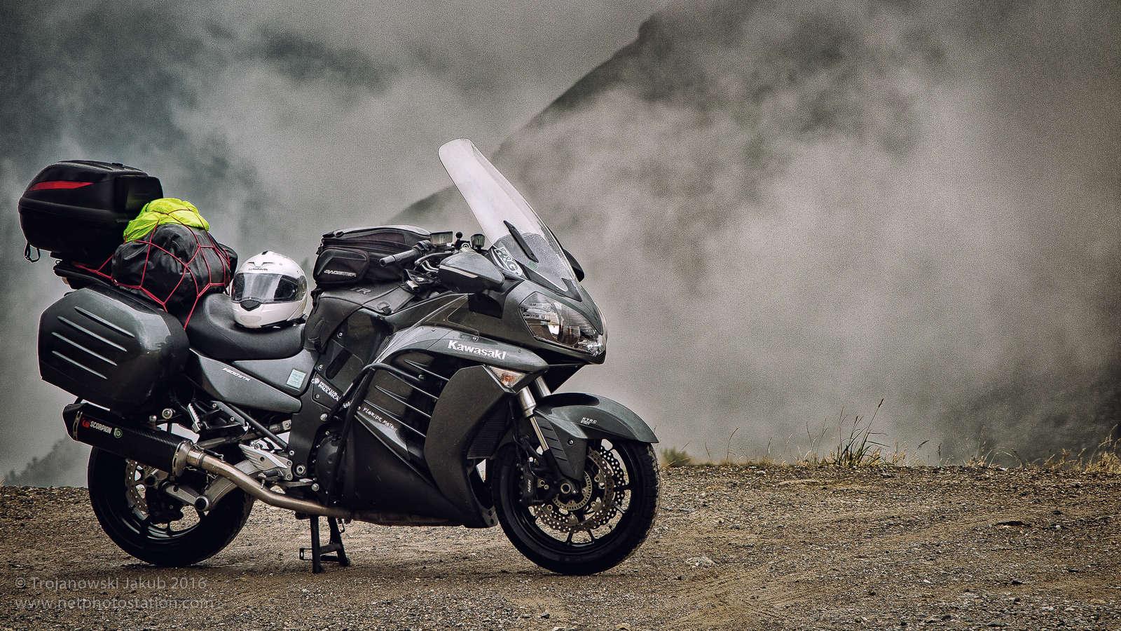 Kawasaki_GTR_1400_Alps.jpg